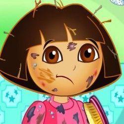 Vamos brincar de dar banho de chuveiro na Dora para poder tirar toda sujeira? Nossa querida estava brincando no dia das crianças e agora precisa ficar cheirosa para sair e passear. Vamos jogar...