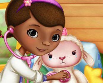 Cuidar da Lambie Doutora dos Brinquedos