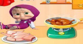 Na cozinha, ajude a Masha a preparar uma receita muito especial de frango. Deixe o sabor da refeição muito especial, para isso faça cada etapa atenciosamente e sem errar nenhum ingrediente.