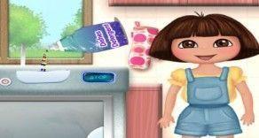 Vamos brincar com a Dora aqui agora nesse joguinho online? Você deverá separar as roupas coloridas e brancas e depois colocar na máquina. Deixe as roupas limpas e cheirosas.