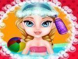 Elsa bebê na banheira