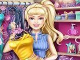 Barbie no closet