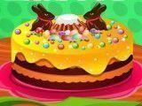 Anna decorar bolo da Páscoa