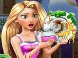 Princesa Rapunzel lavar pratos