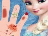 Cuidar da mãozinha da Elsa