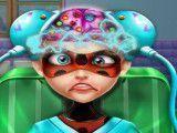 Ladybug cirurgia na cabeça