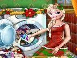 Elsa lavar brinquedos do Natal