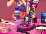 Decorar botas das Monster High