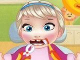 Cuidar dos dentes da bebê Elsa