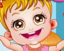 Bebê fazendo hambúrguer