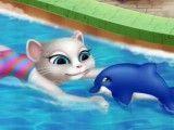 Nadar na piscina com Angela