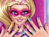 Super Barbie pintar unhas