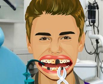 Celebridade Justin Bieber no dentista