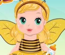 Cuidar da bebê e vestir roupa de abelha