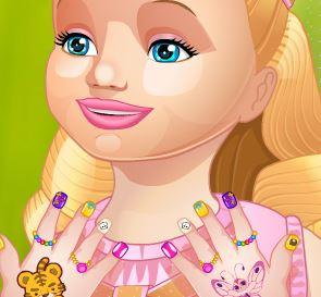 Cuidar da mão da Barbie