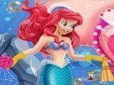 Pequena Sereia limpar mar