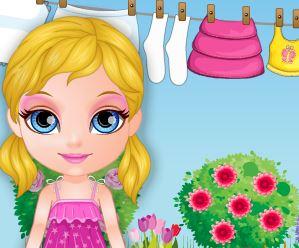Lavar roupas com Barbie bebê